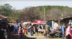 One Of The South's Largest Outdoor Markets Is Right Here In Alabama And You'll Want To Visit