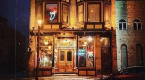 You Have To Visit This Haunted Wisconsin Bar With Mafia Roots