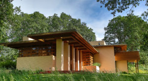 A World-Famous Architect Designed This Oregon House And You Can See Inside