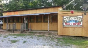 This Mississippi Restaurant Out In The Boonies Is A Deliciously Fun Place To Have A Meal