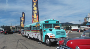 There's A Diner On This Bus In Idaho And It's The Quirkiest Place To Enjoy A Meal