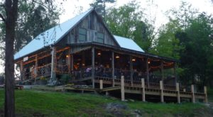 This Charming Tennessee Restaurant Is Steps Away From A Little-Known Waterfall