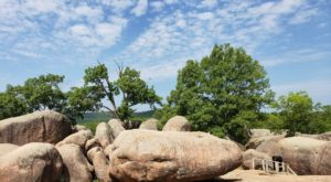 These Missouri Boulders Are The Coolest Thing You'll Ever See For Free