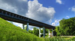 9 Undeniable Reasons To Visit The Longest Covered Bridge Near Cleveland
