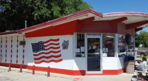 The Roadside Hamburger Hut In Kansas That Shouldn't Be Passed Up