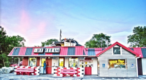 You'll Absolutely Love This 50s Themed Diner Not Too Far From Cleveland