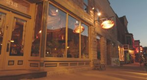 This Vintage Restaurant In Illinois Will Transport You To Rustic Tuscany