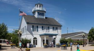 This Lighthouse Lover's Outlet In Indiana Is The Spring Bargain Hunting Experience You've Been Looking For
