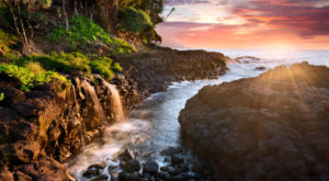 This Breathtakingly Beautiful Hawaiian Trail Looks Like Something From A Fairytale