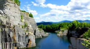 This Vermont Quarry Hike Is Like An Otherworldly Adventure