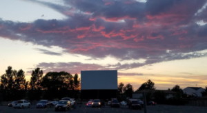 Day Or Night, This Utah Drive In Is Fun For The Whole Family