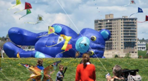 The Bug Light Kite Festival In Maine Is The Most Charming Way To Celebrate Spring