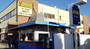 The Roadside Hamburger Hut In Southern California That Shouldn't Be Passed Up