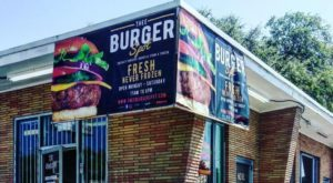 You Haven't Had A Real Burger Until You Try One From This Small Florida Hideaway