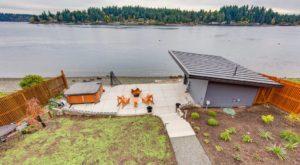 This Peaceful Retreat In Washington Is Just 25 Steps From The Water