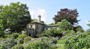 Explore This 304-Acre Seaside Garden And Estate In Connecticut For A Picture Perfect Day Trip