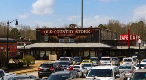 This Charming Tennessee General Store And Diner Is A Perfect Blast From The Past