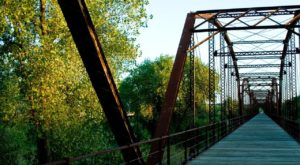 Walking Across This Enchanting Texas Footbridge Will Take You Back To Simpler Times
