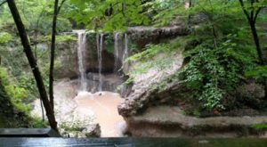 The Hike In Mississippi That Takes You To Not One, But FIVE Beautiful Waterfalls
