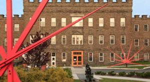 This 1800s Silk Mill In Pennsylvania Is Now A Shopping & Entertainment Center And You Have To Visit