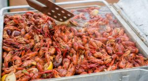 This All-You-Can-Eat Crawfish Fest In New Orleans Is What Dreams Are Made Of
