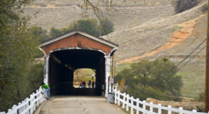 The One Covered Bridge Hike In Northern California That Will Charm You Beyond Words