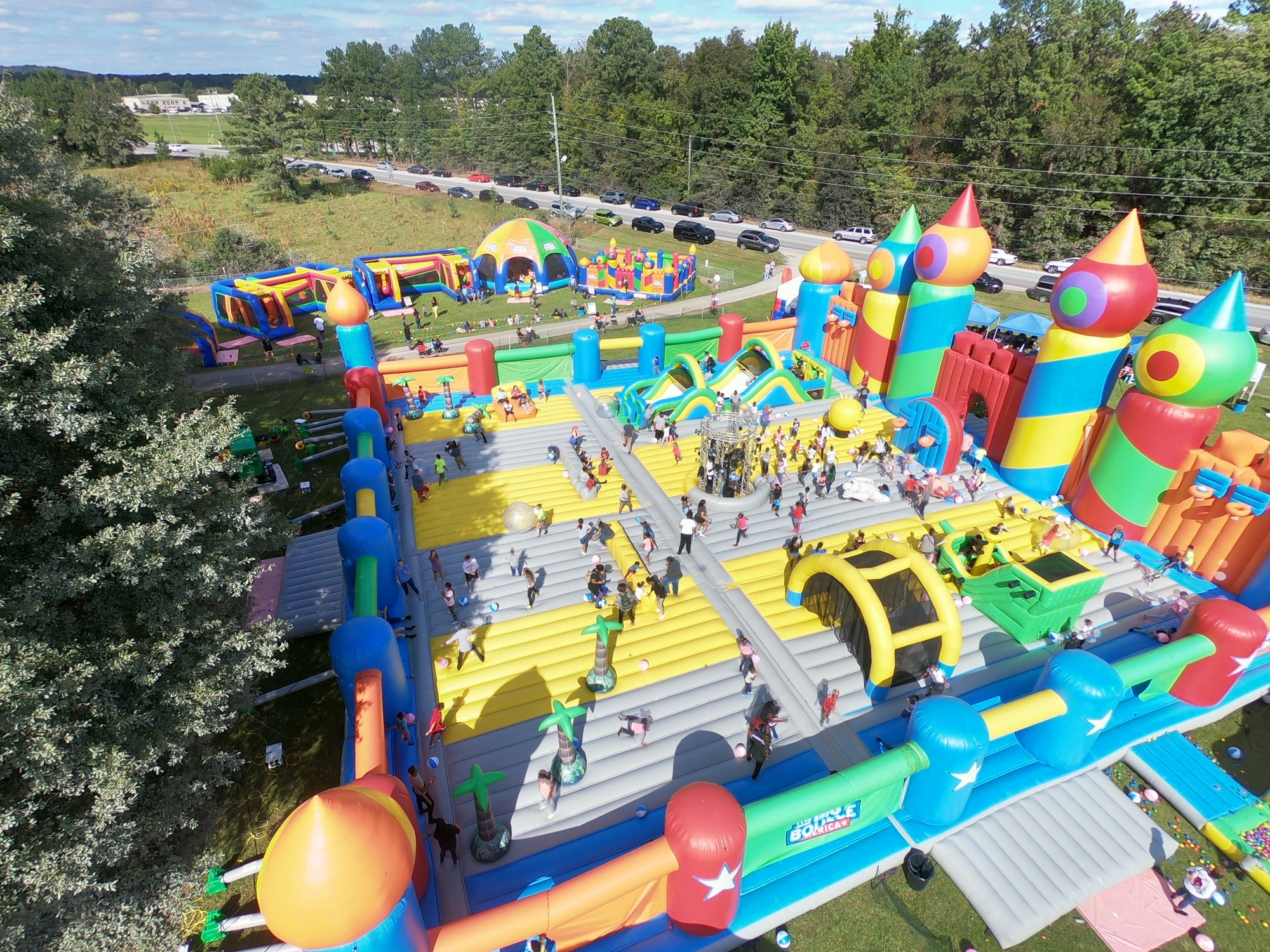 The World S Biggest Bounce House Is A Fun Family Event In