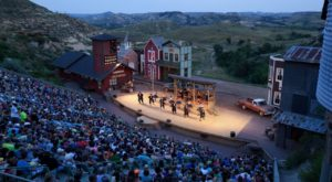 Grab Some Steak Fondue And Watch An Outdoor Musical At This Awesome Spot In North Dakota