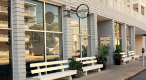 This Seaside Oyster Bar In Delaware Is The Perfect Summertime Destination