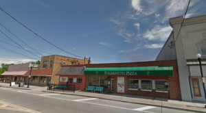 The Family Pizza Joint In Cincinnati That's Been A Staple For Over 30 Years