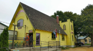 There's A Restaurant Inside This Old Washington Church, And The Food Is Heavenly