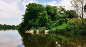 Iowa's Most Refreshing Hike Will Lead You Straight To A Beautiful Swimming Hole