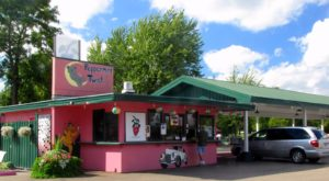 The Burgers And Shakes From This Middle-Of-Nowhere Minnesota Drive-In Are Worth The Trip