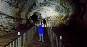 The Largest Volcanic Cave In The World Is Right Here In Idaho And You Can Walk Through It