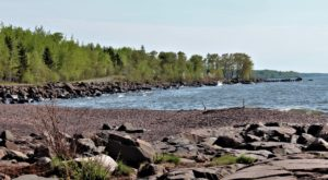 Minnesota's Rockiest Beach Is Full To The Brim With Rugged Beauty