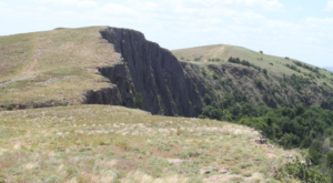 Hike To These Sacred Bluffs In Oklahoma For An Awe-Inspiring Experience