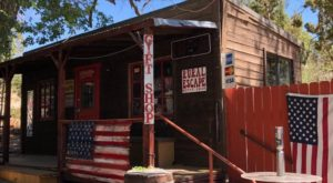 This Down-Home Saloon In Nevada Is A Real Diamond In The Rough That You'll Want To Visit