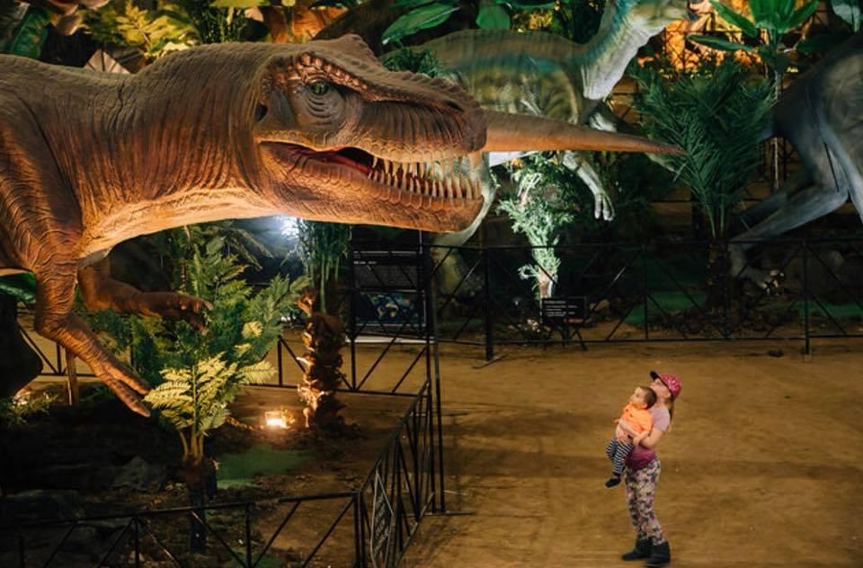jurassic quest is fun dinosaurthemed event in michigan